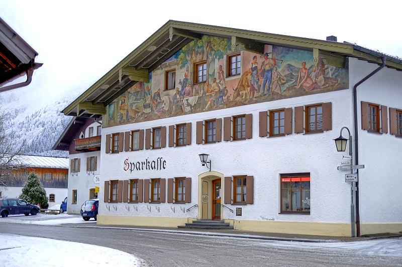 Unterammergau das Sparkassengebäude